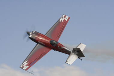 Mark Jefferies displaying the Extra 330SC