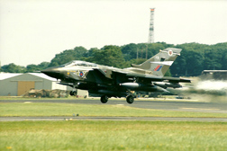 Panavia Tornado GR1B 242/BS080/3116 ZA450/FB at Fairford Air Show (Royal International Air Tattoo) 1998