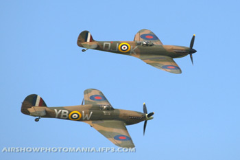 Hawker Hurricane Mk IIc LF363 and Supermarine Spitfire Mk IIA G-AWIJ P7350 at Old Warden Sunset Air Display 2010