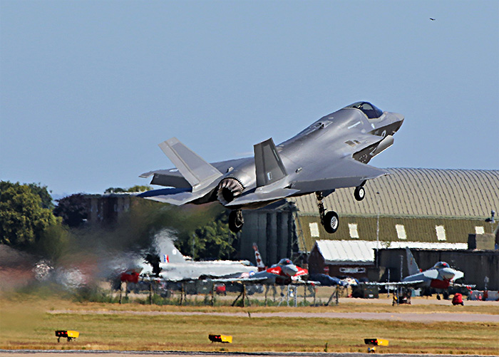 F-35 Lightning first flight