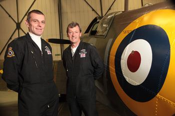 Squadron Leader Ian Smith and Squadron Leader Al Pinner