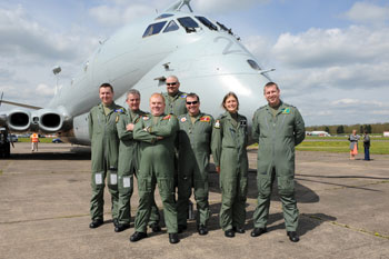 Hawker Siddeley Nimrod MR2 8001 XV226 air crew at Bruntingthorpe Airfield