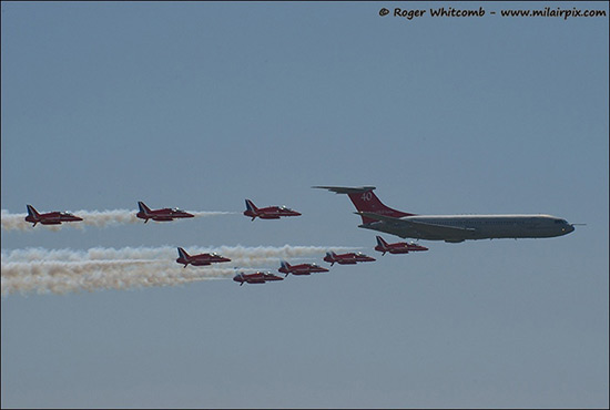 Vickers VC10 and the Red Arrows Aerobatic Display Team