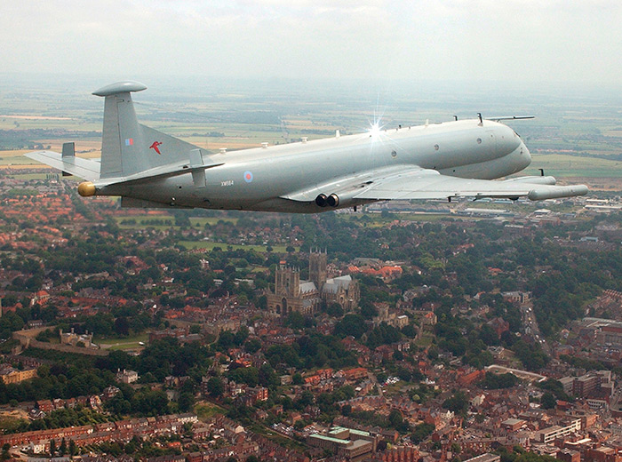 Nimrod R1 XW664 with Lincoln Cathedral in the background