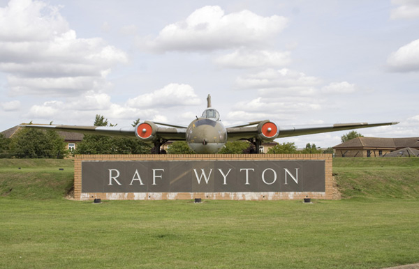 Gate guardian Canberra PR9 XH170 at RAF Wyton